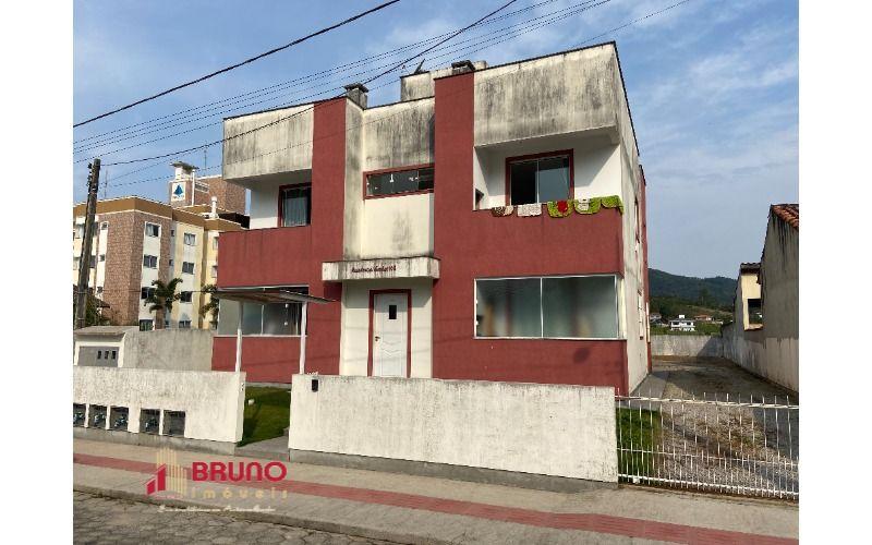 Apartamento de 02 quartos em Antônio Carlos