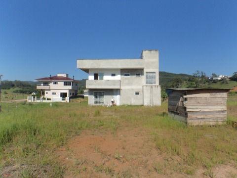 Casa de 03 dormitório em Antônio Carlos