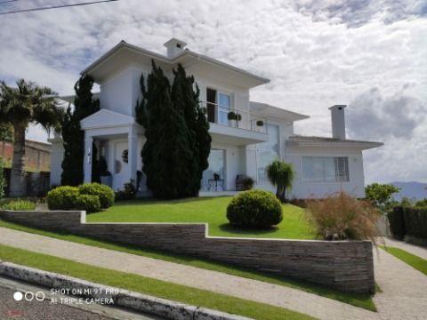 Casa com 3 suítes - Bosque das Mansões