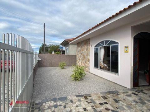 Casa de 03 dormitório no bairro Prado de Baixo- Biguaçu