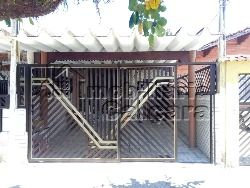 Casa 02 dormitórios, com piscina!!!