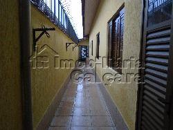 Linda casa 02 dormitórios no Jardim Imperador