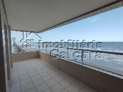 Apartamento 03 dormitórios frente para o mar!!!
