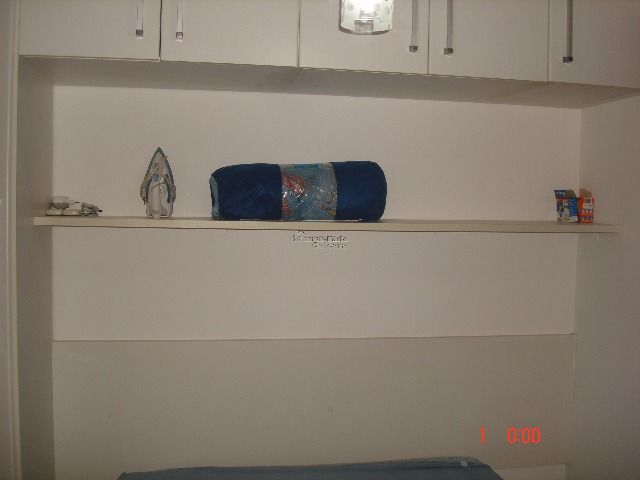 guarda roupa do dormitório com suíte