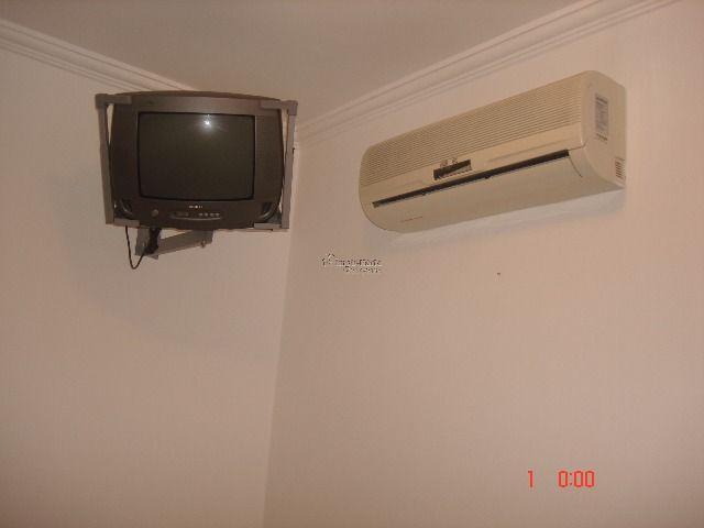 televisão e ar condicionado