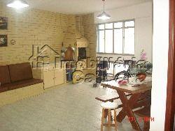 Apartamento 02 dormitórios, 98 metros da praia!!!!
