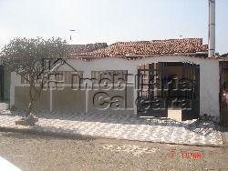 Casa com piscina na Vila Caiçara