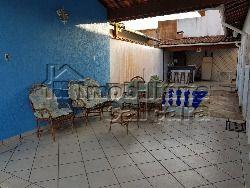 Casa 02 dormitórios, com piscina no Caiçara