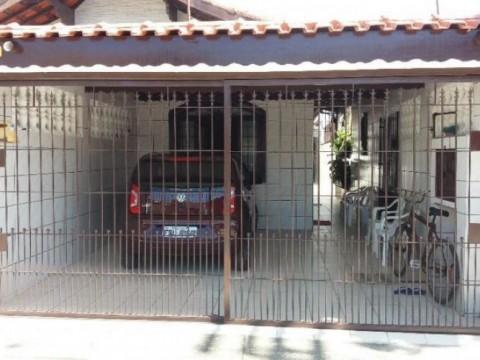 Casa Geminada no Maracanã em Praia Grande  SP