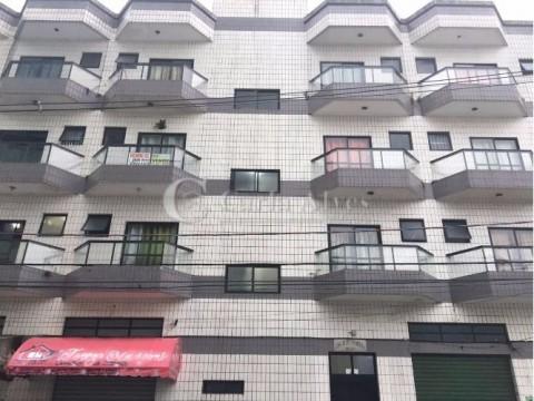Apartamento de 1 Dormitório na Ocian próximo da Lojas Cem