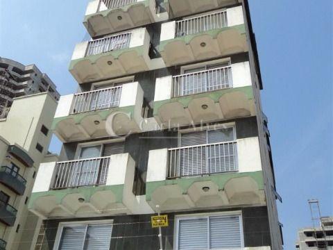 Apartamento no Canto do Forte de 1 Dormitório com Churrasqueira