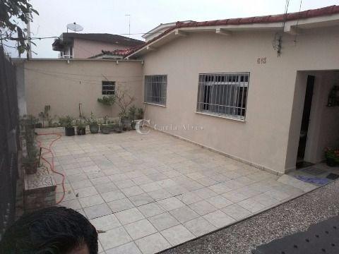 Casa Isolada de 2 Dormitórios com 4 Vagas na Garagem
