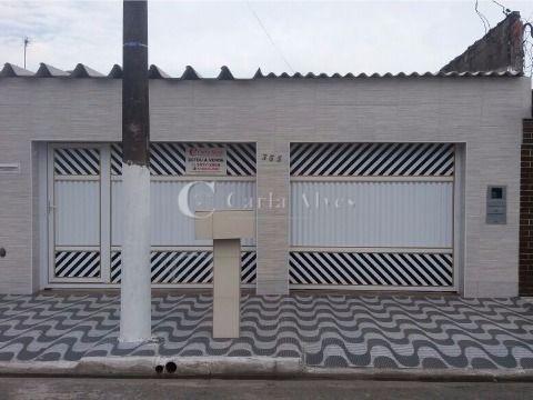 Casa Geminada de 2 Dormitórios no Jardim Samambaia, Praia Grande - SP