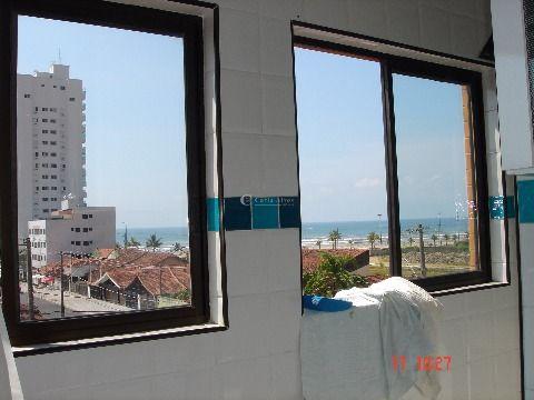 Apartamento 2 Dormitórios na Vila Caiçara, 200m da Praia