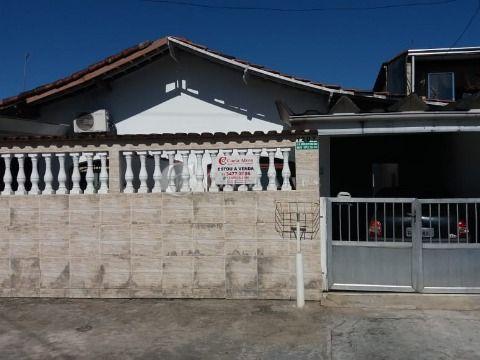 Casa Isolada no Jardim Melvi de 2 Dormitórios com 2 Vagas na Garagem