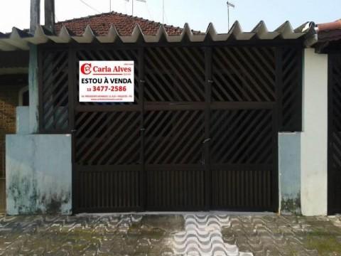 Casa Geminada de 2 dormitórios  no Caiçara em Praia Grande com edícula.