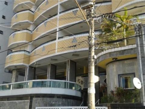 Apartamento de 2 dormitórios sendo 1 suíte na Ocian em Praia Grande.