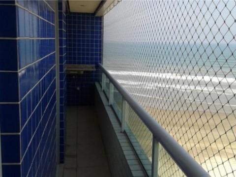 Apartamento frente para o Mar com 2 dormitórios sendo 1 suíte no Maracanã - Praia Grande