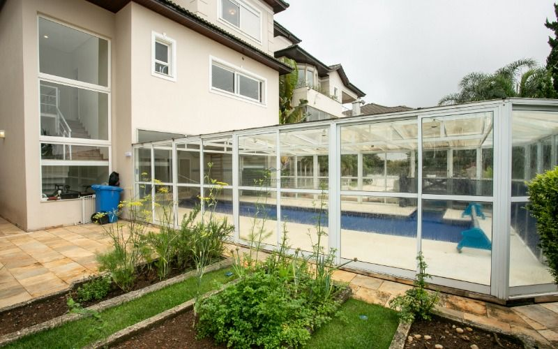 24 - quintal lateral e horta