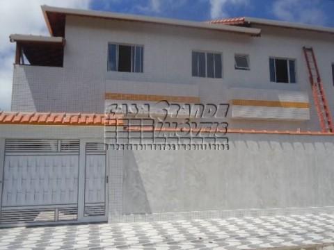Ótima Casa Sobreposta em Condomínio em Praia Grande, Nova Mirim
