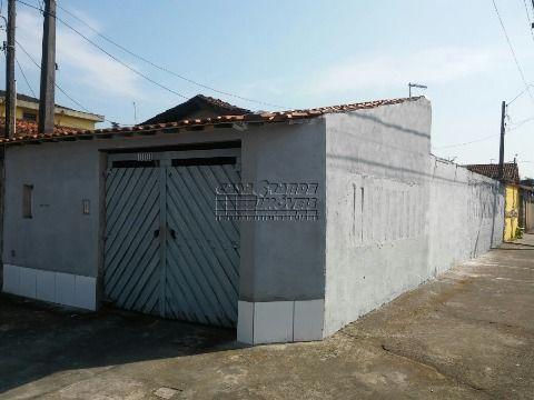 Excelente casa geminada, bem localizada em Praia Grande, no bairro Vila Mirim