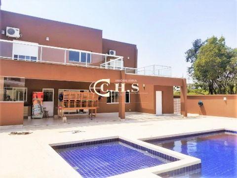 Casa com piscina alto padrão à venda