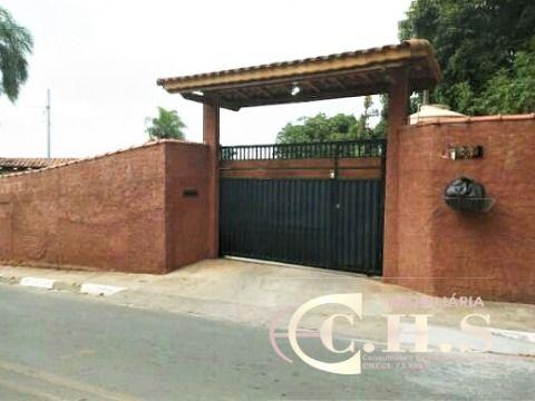 Casa térrea à venda em bairro residencial