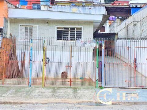 2 casas em terreno de 250m² à venda