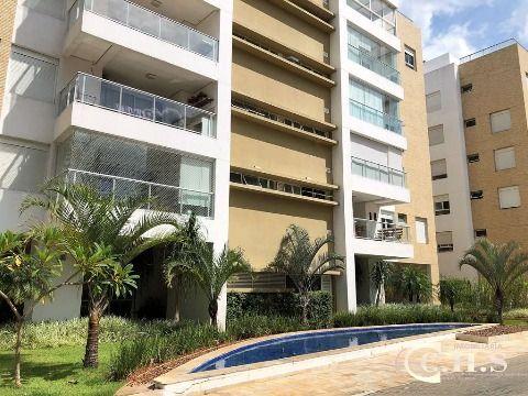 Cobertura moderna à venda na Granja Viana