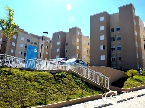 Apartamento semimobiliado à venda