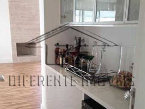 AP156 - Apartamento 264m2 - 3 Dorms - 3 Suítes - 4 Vagas