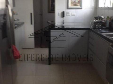 AP255 - Apartamento 340m2 - 4 Dorms - 3 Suíte - 4 Vagas - Excelente Localização