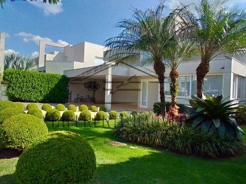 Casa de Condomínio com 4 Quartos e 5 banheiros à Venda, 450 m² Atibaia