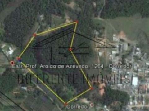ARE96 - Área de 85.900m2 - pouco aclive, passa navalha