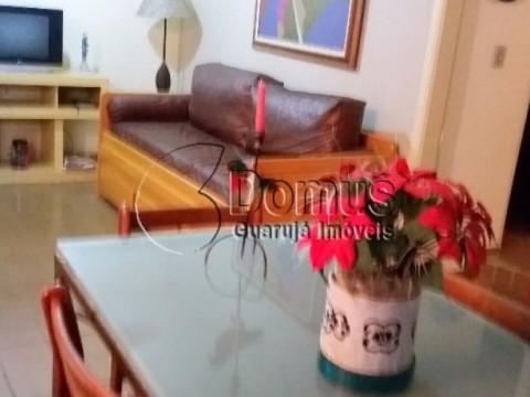Apartamento confortável 2 dormitórios,100 m praia Pitangueiras