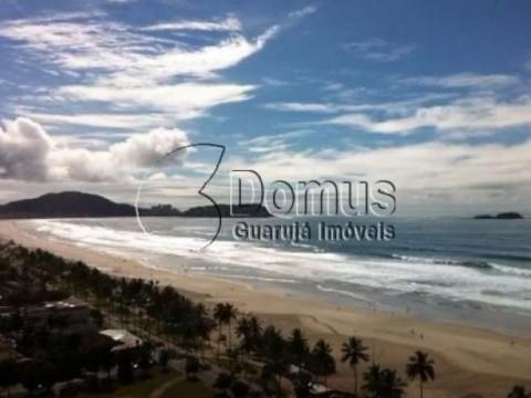 Apartamento pé na areia- com lazer e vista mar