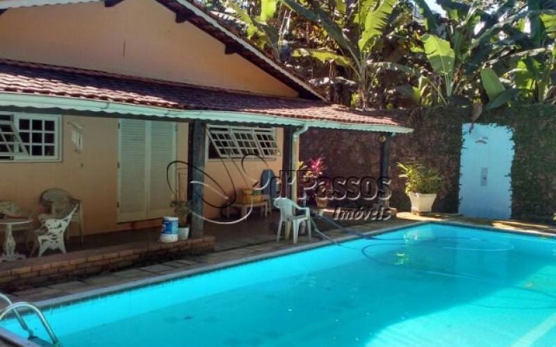 casa com piscina boiçucanga ca818