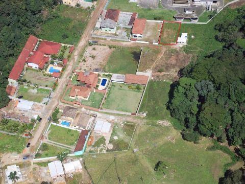 Terreno em Boiçucanga com boa localização próximo a Estrada do Cascalho.