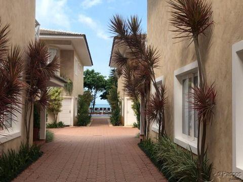 Casa a venda em Condomínio na Praia de Maresias