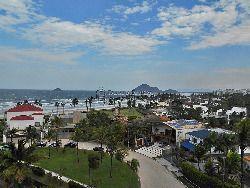 Apto pé na areia em Riviera, 2 dormitórios, linda vista p/mar
