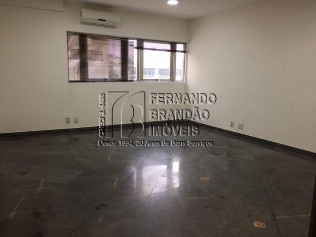 sala Olegário 303 B  (17).JPG
