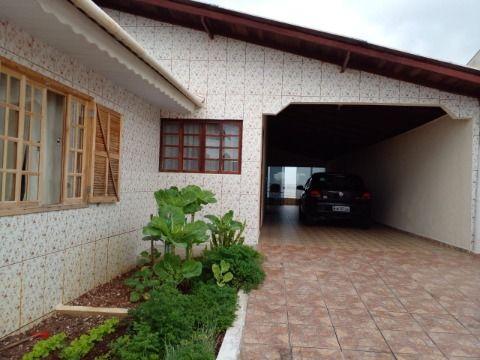 Casa a venda na Rua Santo Inácio - Fazenda Rio Grande