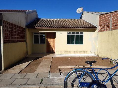 Casa em Alvenaria no Condomínio Qatar em Fazenda Rio Grande.