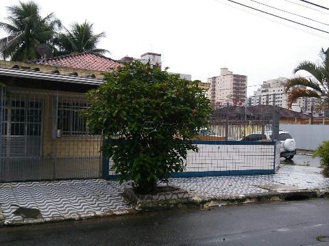 Casa em Vila Tupy - Praia Grande