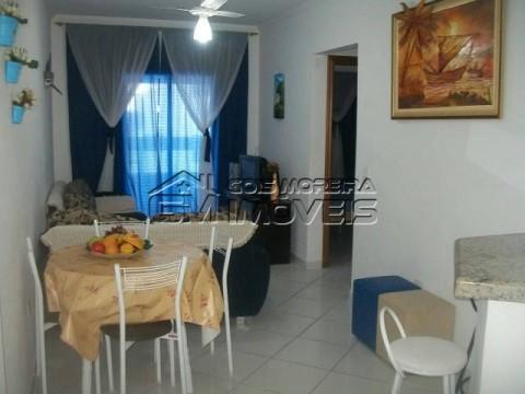 Apartamento 2 dormitórios frente ao mar no bairro Caiçara em Praia Grande.
