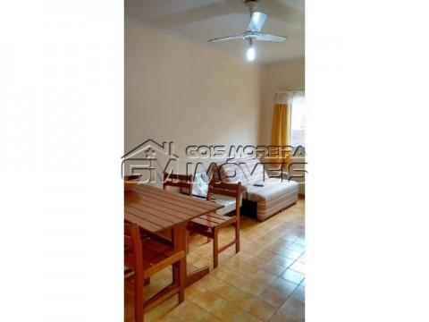 Apartamento 2 dormitórios no centro da Vila Caiçara.