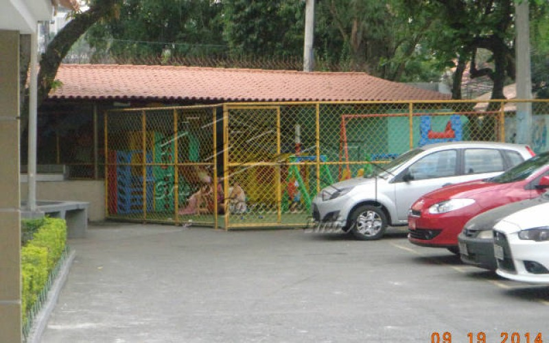 13 parque infantil