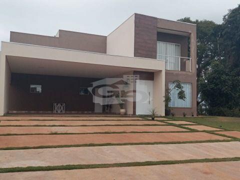 Casa na Represa c/ 250 m², 3 Dorms, 2 Suítes, Churrasqueira, 6 Vagas - Riviera de Santa Cristina I - Arandu / SP