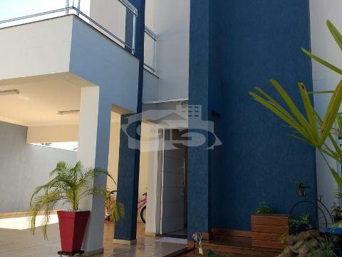 Casa à Venda com 3 Quartos, Suíte, Piscina Aquecida, Jardim e Deck com Pergolado - Jardim Caçula / Jundiaí - SP