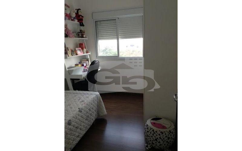 dormitório 1 com armário